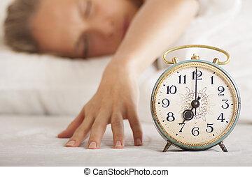 女, 時計, 警報, 若い, ベッド, 睡眠