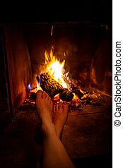 女, 火, 開いた, 若い, 裸, 加熱された, 足, 暖炉