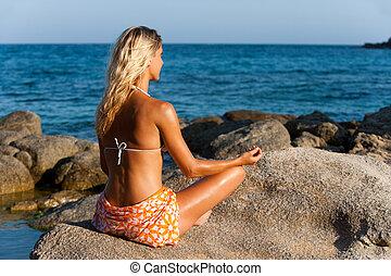 女, 瞑想する, 若い, 遅く, 太陽, 午後