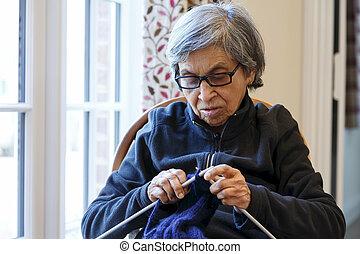 女, 編むこと, 年配
