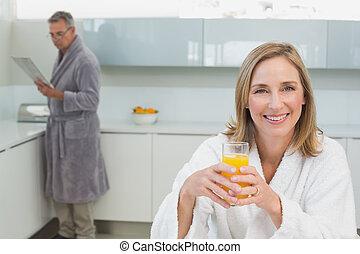 女, 背景, ジュース, 保有物, オレンジ, 微笑の人