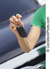 女, 自動車のキー