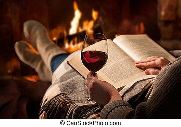 女, 読む, 本, 近くに, 暖炉