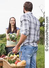 女, 販売, 有機体である, 野菜, ∥において∥, 市場