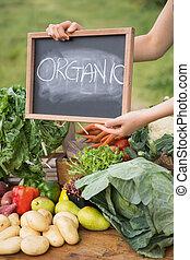 女, 販売, 有機体である, 野菜, a