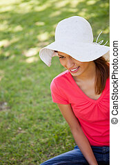 女, 身に着けていること, a, 白い帽子