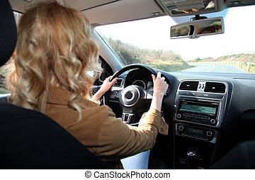 女, 運転, 自動車, 上に, a, 田舎の道路