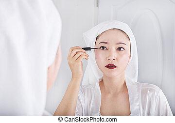 女, 鏡, eyeliner, 見る, 黒, メーキャップ