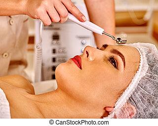 女, 電気である, 若い, massage., 美顔術, 受け取ること
