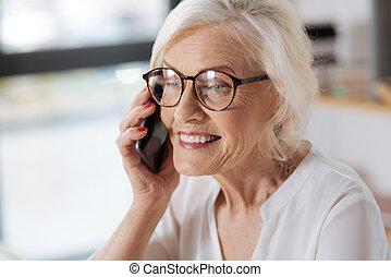 女, 電話, 年配, 持つこと, 会話, うれしい