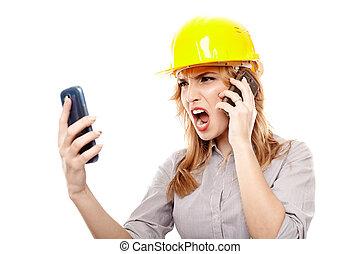 女, 電話, 2, 細胞, 強調された, 使うこと, 叫ぶこと, エンジニア