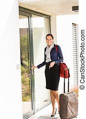 女, 飛行, ビジネス, 到着, 家, 微笑, 付き添い人