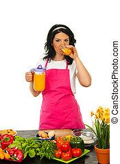女, 飲むこと, 新鮮なオレンジ, ジュース