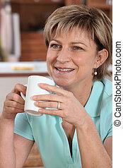 女, 飲む コーヒー