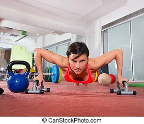 女, crossfit, pushup, フィットネス, 押し, ∥上げる∥, 練習