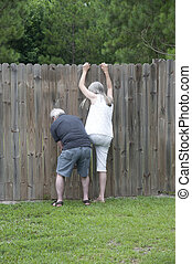 她, 丈夫, 幫助, 她, 偷看, 在上方, the, 柵欄, 看見, 什麼, the, 鄰居, 是, 向上, to!