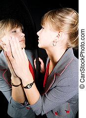 妇女, 反映, 她, 镜子