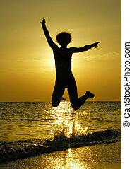 妇女, 在, 日出, 跳跃