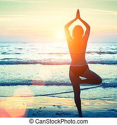 妇女, 形成, 瑜伽, 海滩