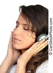 妇女, 音乐听