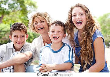 妈妈, 带, 长大, 女儿和儿子