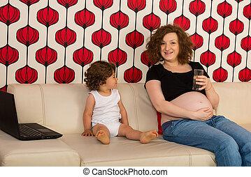 妊娠しているママ, 持つこと, 会話, ∥で∥, 息子