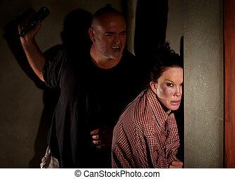 威嚇するようである, 玄関, 女, 怖がらせられた, 人