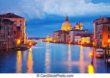 威尼斯, 夜间