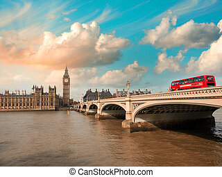 威斯敏斯特 橋梁, 以及, 議會的房子, 在, 傍晚, london., 美麗, 看法, 由于, 紅色, 公共汽車, 橫過, the, bridge.