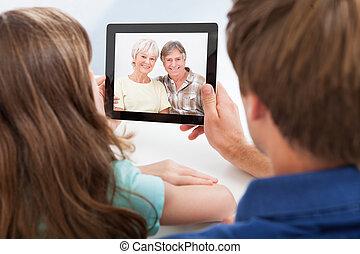 娘, タブレット, 談笑する, 父, ビデオ, デジタル