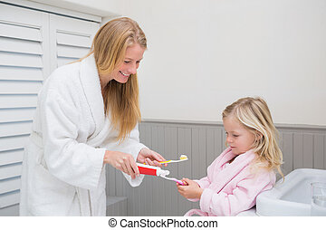 娘, ブラシをかける 歯, ∥(彼・それ)ら∥, 母, 幸せ