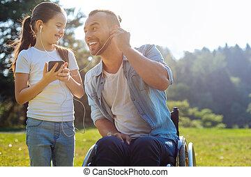 娘, 可動性, 父, 音楽が聞く, 欠損