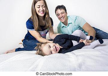 娘, 家族, 父, ベッド, 母, 白, 幸せ
