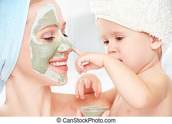 娘, 家族, 美しさ, 作りなさい, 皮膚, マスク, 顔, 待遇, 母, 赤ん坊, bathroom., 女の子