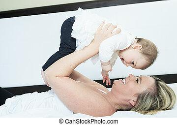 娘, 彼女, 若い, ベッド, 母, 家, 遊び, 幸せ