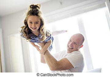 娘, 父, 一緒に, ベッド, 楽しみ, 持つこと, 幸せ
