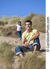 娘, &, 父, 女の子, 幸せ, 浜, 遊び, 人