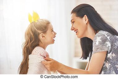 娘, 遊び, 抱き合う, 母