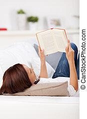 婦女讀物, 上, a, 長沙發