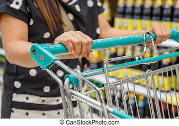 婦女購物, 在, 百貨商店