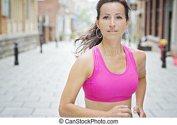 婦女跑, 在戶外, 訓練, 為, 馬拉松, run.