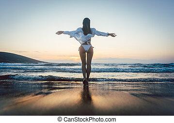 婦女, 享用, the, 自由, ......的, 她, 假期, 在, the, 海
