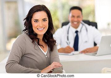 婦女, 在, 醫生的辦公室