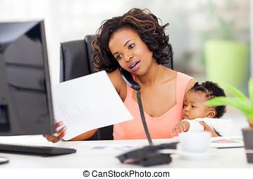 婦女, 工作, 美國人,  African, 嬰孩, 家, 女孩
