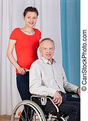 婦女, 幫助, the, 無能力, 在, a, 輪椅