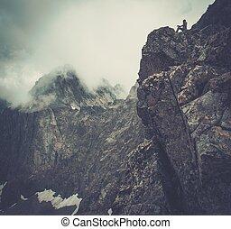 婦女, 徒步旅行者, 山, 坐, 頂峰