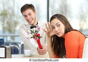 婦女, 拒絕, a, 怪傑, 男孩, 在, a, 由別人安排的男女初次會面