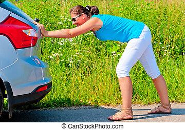 婦女, 推, 汽車, 在外, ......的, 汽油