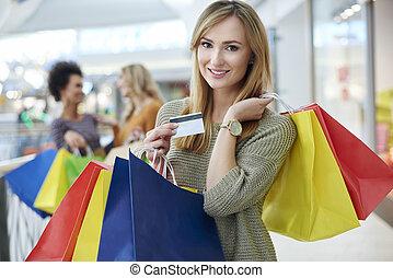婦女, 由于, 信用卡, 以及, 充分, 購物袋