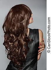 婦女, 由于, 長, 布朗, 卷曲的頭髮麤毛交織物